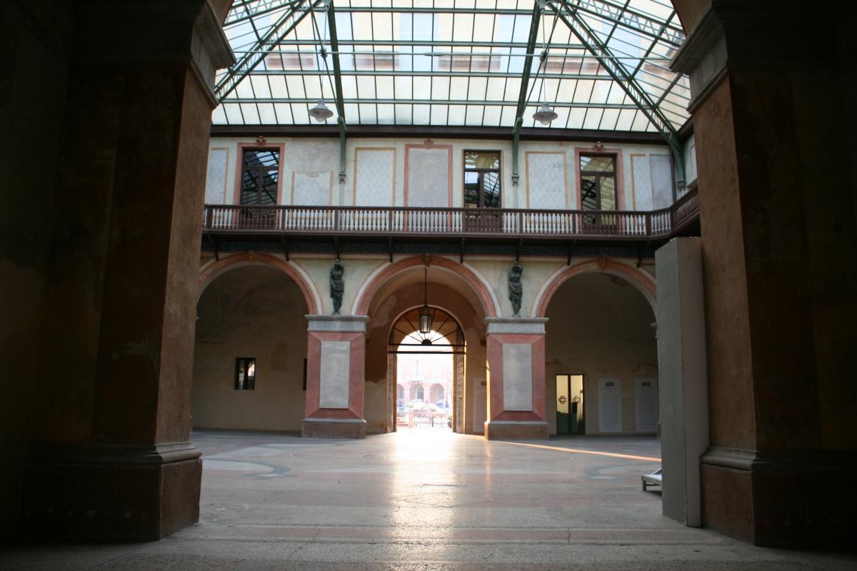 Cortile interno di palazzo ducale - Elesorez - Guastalla (RE)