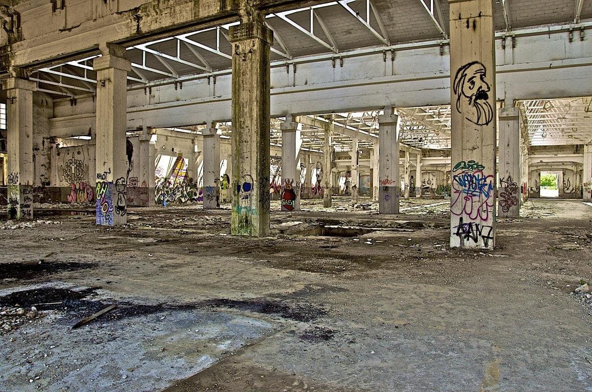 """Decadente aspetto odierno dei famosi stabilimenti """"Officine Reggiane"""" - Caba2011 - Reggio nell'Emilia (RE)"""