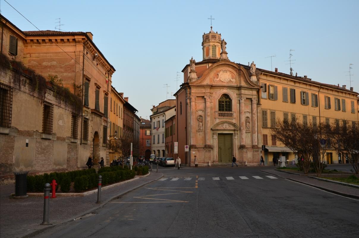 Piazza Roversi con la chiesa del Cristo - Caba2011 - Reggio nell'Emilia (RE)
