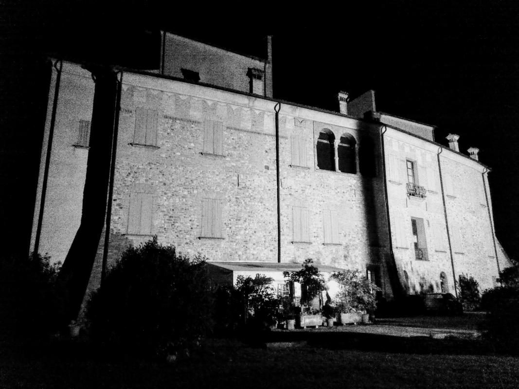 Il Castello di Arceto in una sera d'aprile - U2lorri - Scandiano (RE)