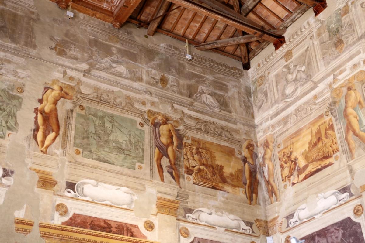 Pier francesco battistelli e aiuti, affreschi con scene dell'orlando furioso e della gerusalemme l. tra telamoni, 1619-28, 08 - Sailko - Gualtieri (RE)