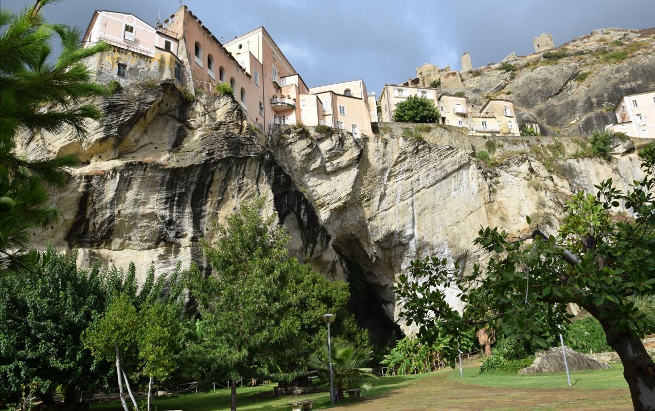 Parco della Grotta (A) - Vittorio martire - Guastalla (RE)