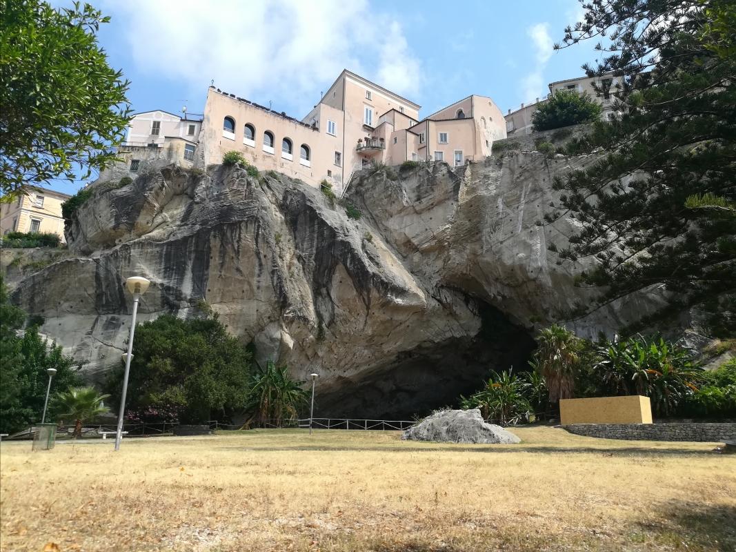 Amantea Parco Grotta 2 - Settimioma - Guastalla (RE)