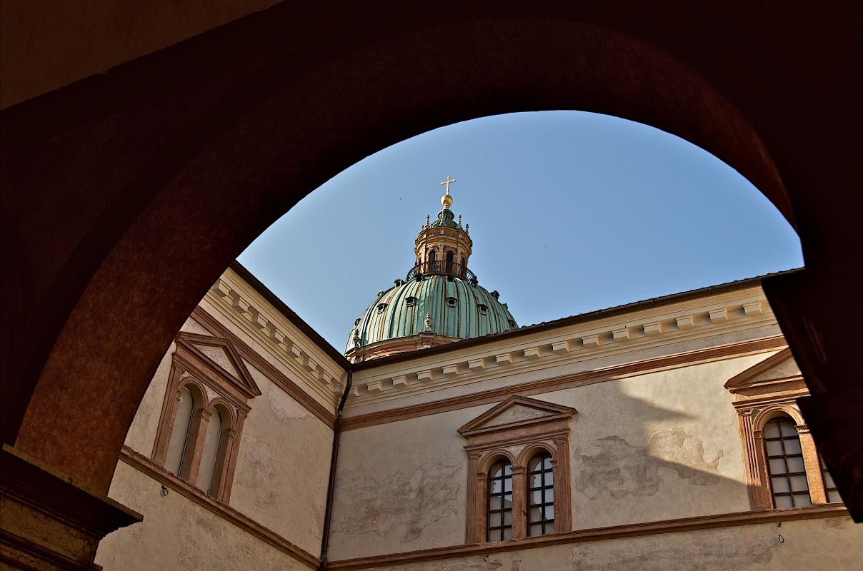 Vista della cupola dai Chiostri - Caba2011 - Reggio nell'Emilia (RE)