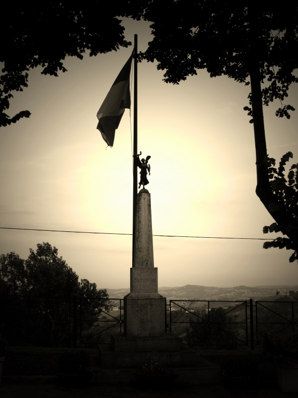 Monumento dei caduti a Montefiore Conca - LaraLally19 - Montefiore Conca (RN)