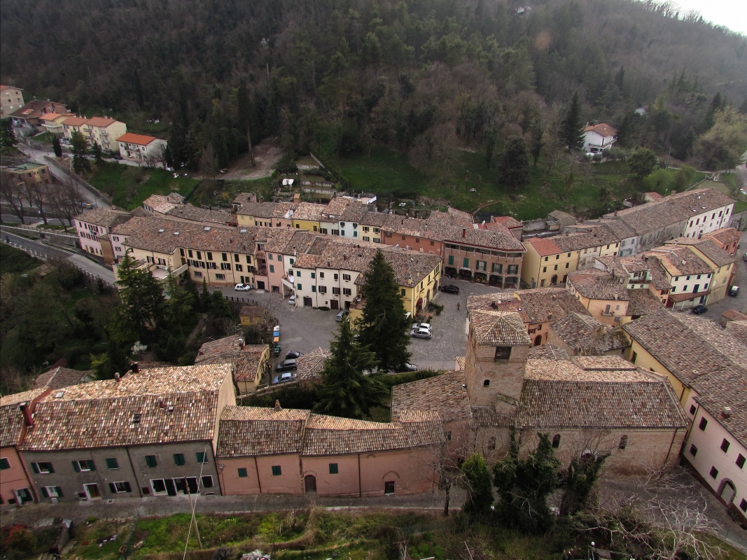 La piazza ed il borgo - LaraLally19 - Montefiore Conca (RN)