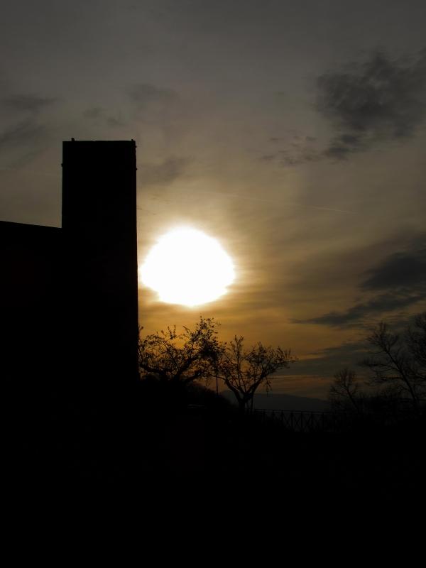 Un tramonto attraverso una torre - LaraLally19 - Montefiore Conca (RN)
