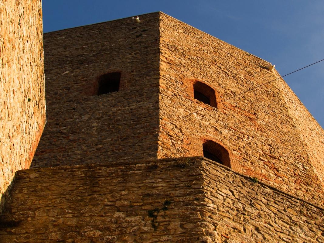 Una Rocca unica come forma - LaraLally19 - Montefiore Conca (RN)