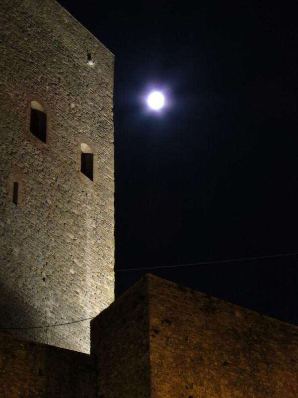 La Rocca la luna e la magia della notte - LaraLally19 - Montefiore Conca (RN)