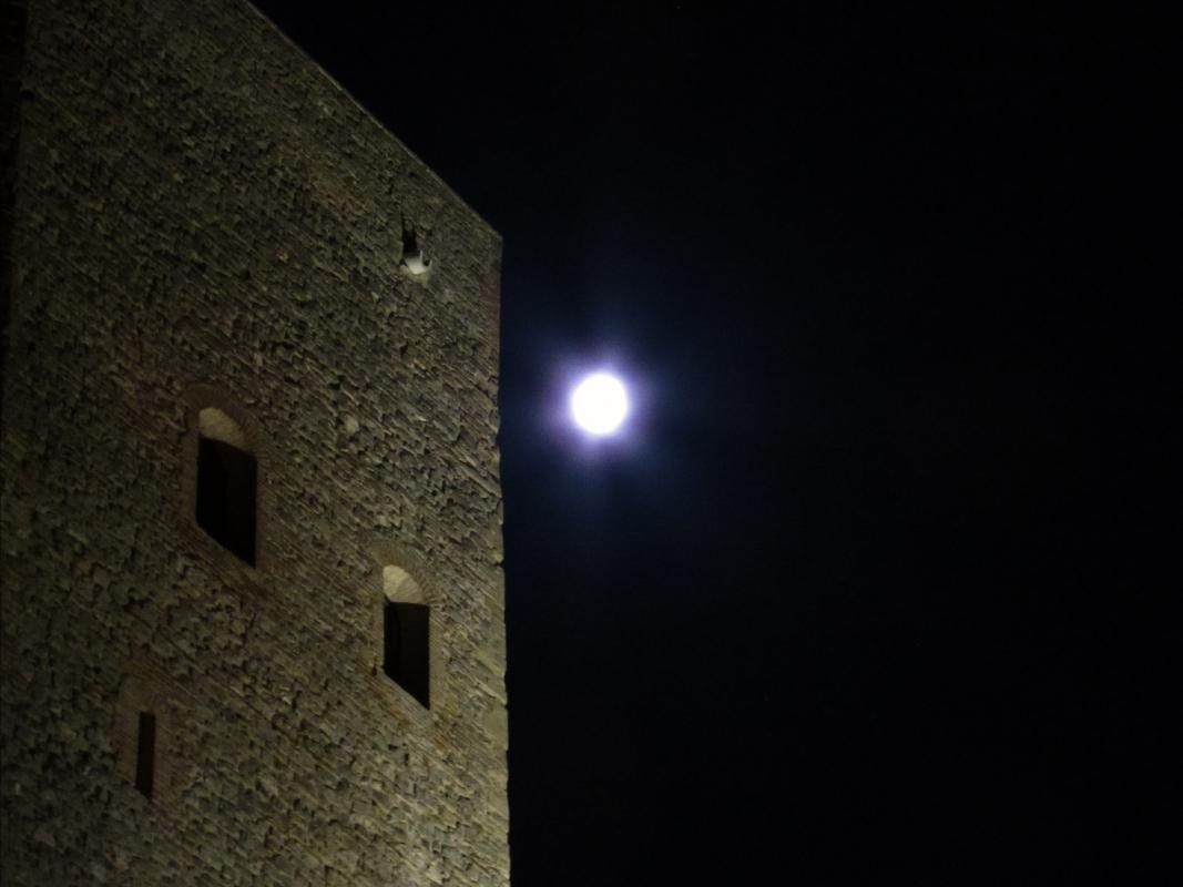 La rocca e la Luna - LaraLally19 - Montefiore Conca (RN)