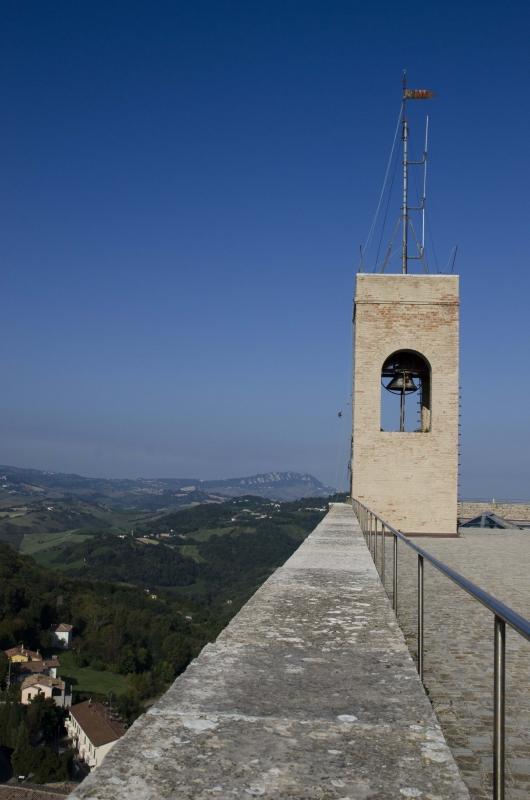 ROCCA MALATESTIANA - CAMPANILE TERRAZZO ALTO CON SAN MARINO SULLO SFONDO - FabioFromItaly - Montefiore Conca (RN)
