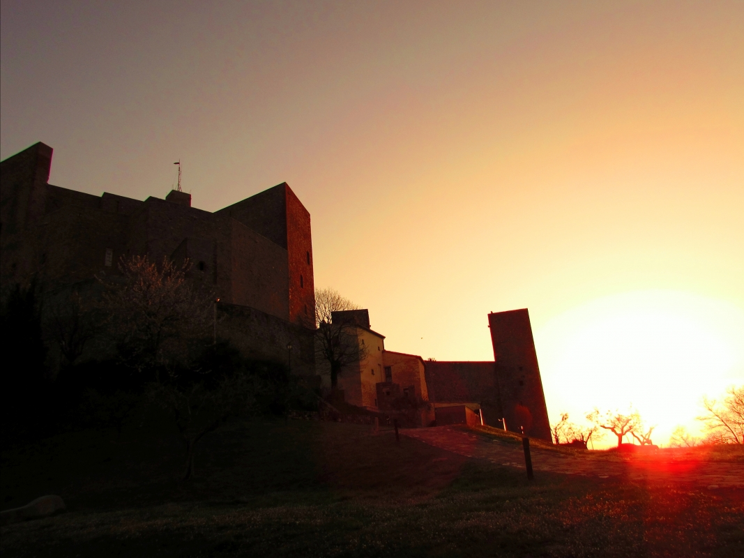 Perdendosi nel rosso di un tramonto - LaraLally19 - Montefiore Conca (RN)