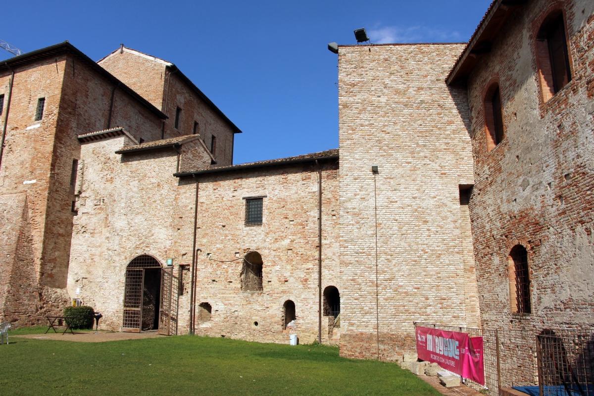 Castel sismondo, slargo interno 03 - Sailko - Rimini (RN)