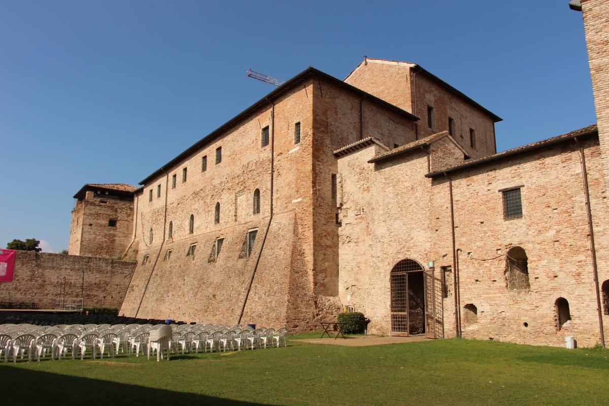 Castel sismondo, slargo interno 02 - Sailko - Rimini (RN)