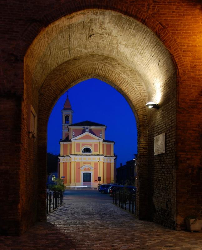 Sotto l'arco - Scorpione 68 - San Giovanni in Marignano (RN)