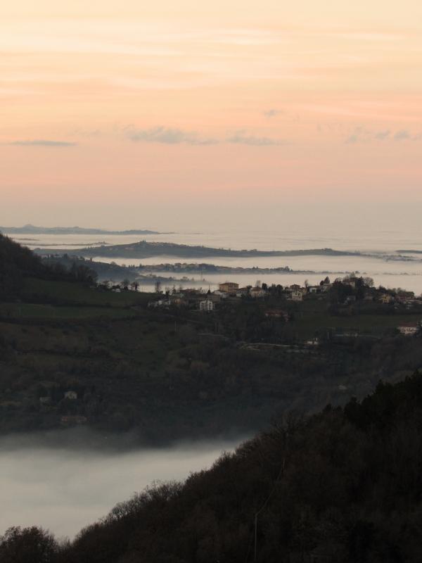 Isole nel mare di nebbia, viste dall'arena - Larabraga19 - Montefiore Conca (RN)