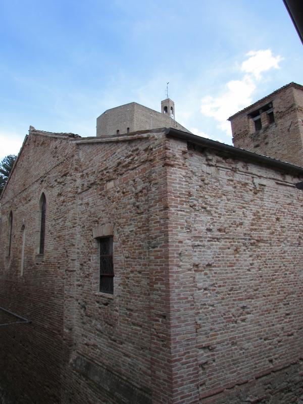La chiesa ed i suoi scorci unici - Larabraga19 - Montefiore Conca (RN)