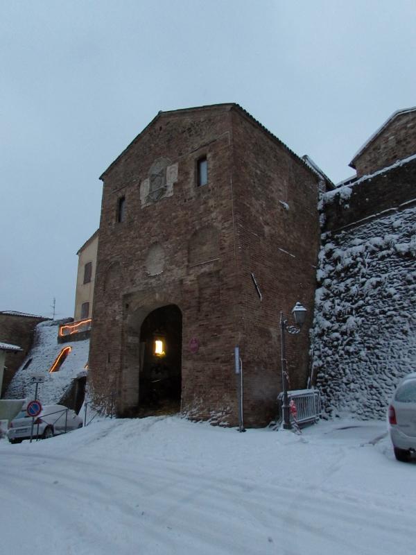 La neve rende magica la porta - Larabraga19 - Montefiore Conca (RN)