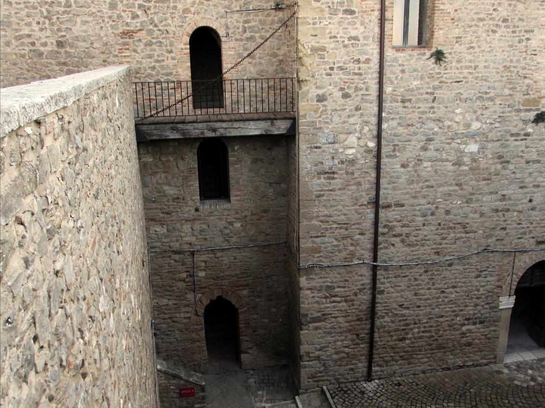 Una fortezza antica - Larabraga19 - Montefiore Conca (RN)