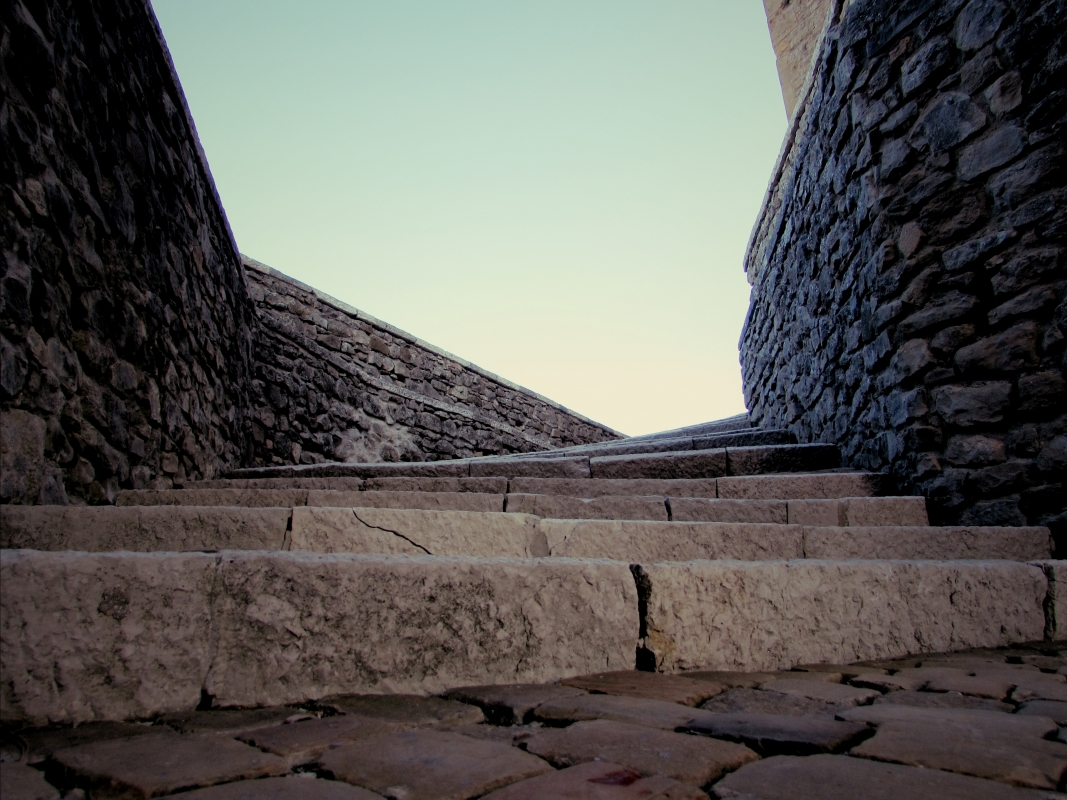 Salendo nella Rocca - Larabraga19 - Montefiore Conca (RN)