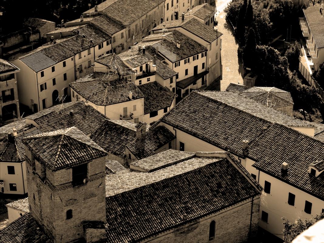 Tetti antichi visti dalla Rocca - Larabraga19 - Montefiore Conca (RN)
