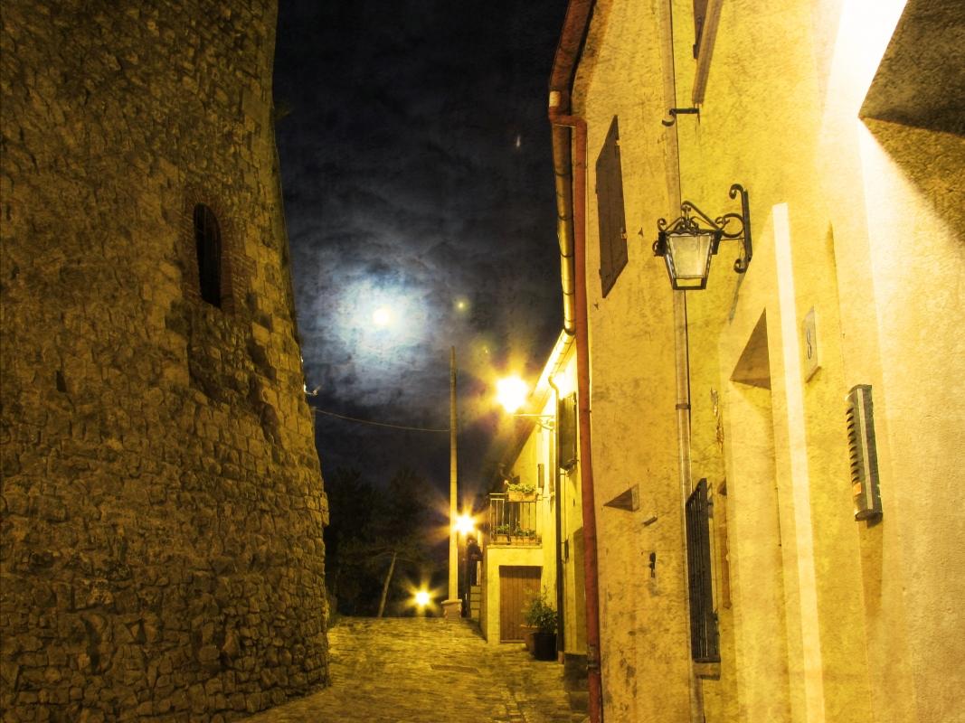 Percorrdendo una antica via intorno al castello - Larabraga19 - Montefiore Conca (RN)