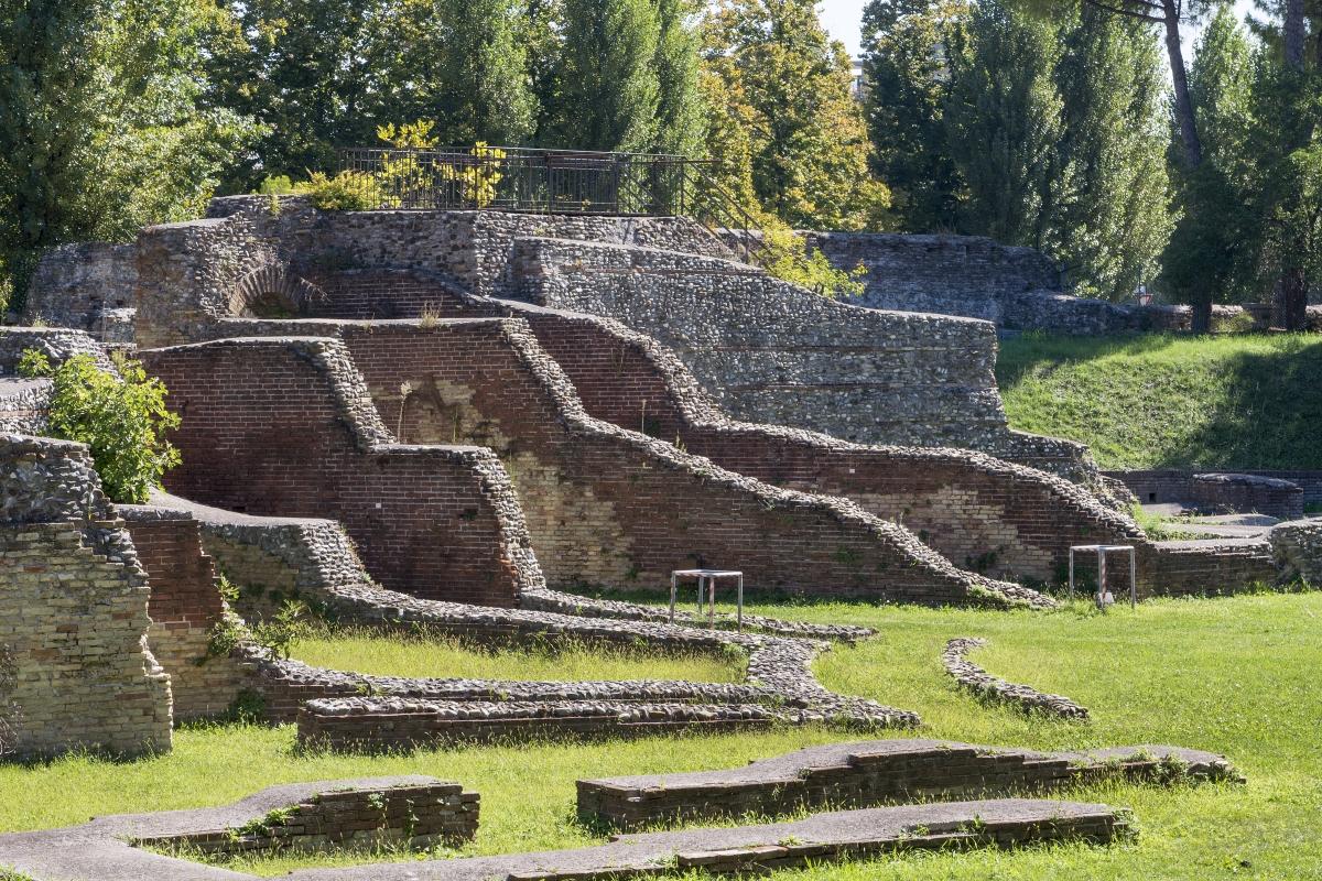 Veduta panoramica orizzonatale dell'Anfiteatro - Runrobirun - Rimini (RN)