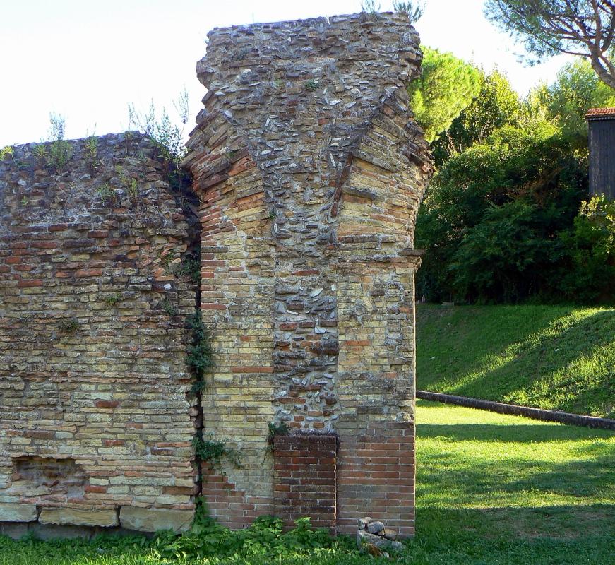 Particolare anfiteatro romano - Rimini 1 - Paperoastro - Rimini (RN)