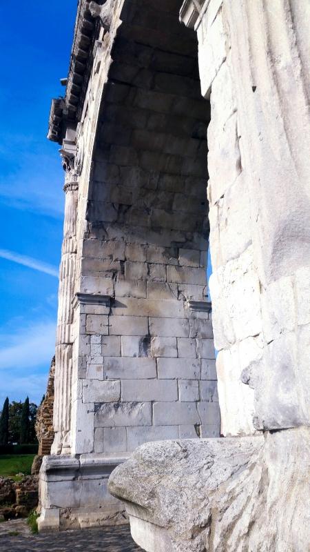 Arco di Augusto - laterale - Opi1010 - Rimini (RN)