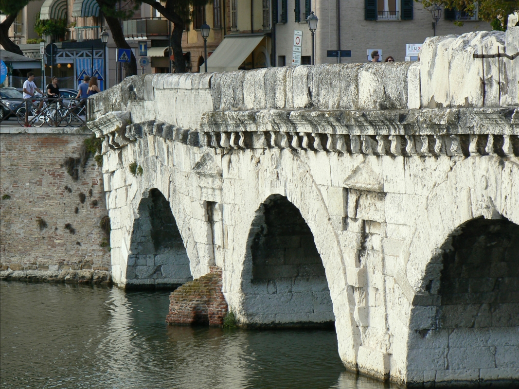 Ponte di Tiberio Rimini 3 - Paperoastro - Rimini (RN)