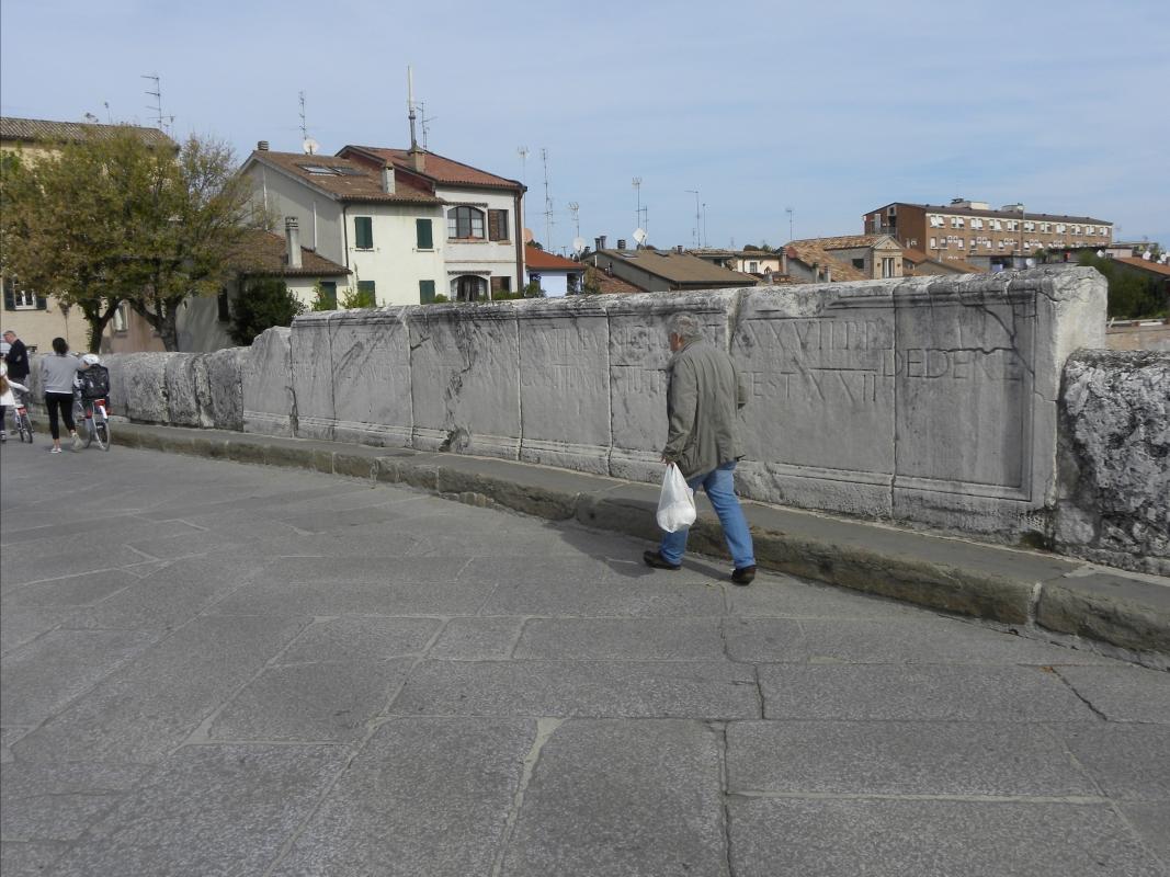 PONTE di TIBERIO - camminando a fianco delle ETERNE ed IMPERITURE EPIGRAFI - Claudio CASADEI - Rimini (RN)
