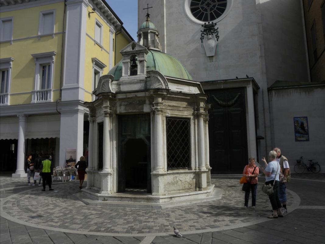 TEMPIETTO di SANT'ANTONIO da PADOVA a RIMINI in Piazza dei TRE MARTIRI - Claudio CASADEI - Rimini (RN)