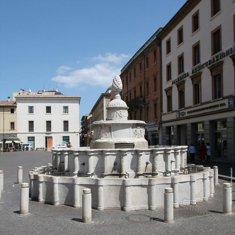 Wikilovesmonuments2016 - fontana della pigna - Emilio Salvatori - Rimini (RN)
