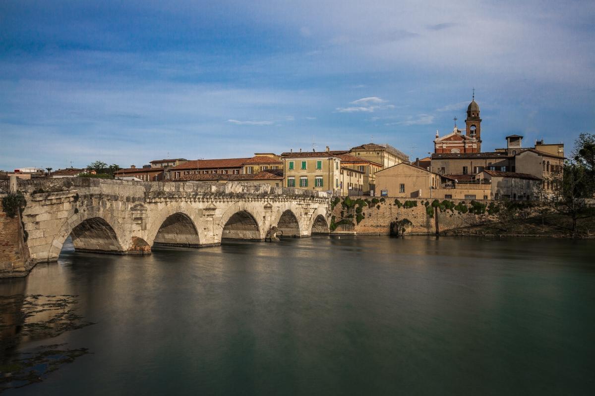 Ponte di Tiberio dal borgo - Matteo - Rimini (RN)