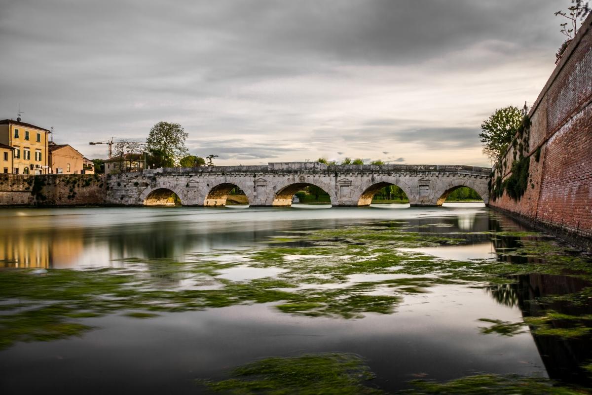 Ponte di Tiberio dal canale - Matteo - Rimini (RN)