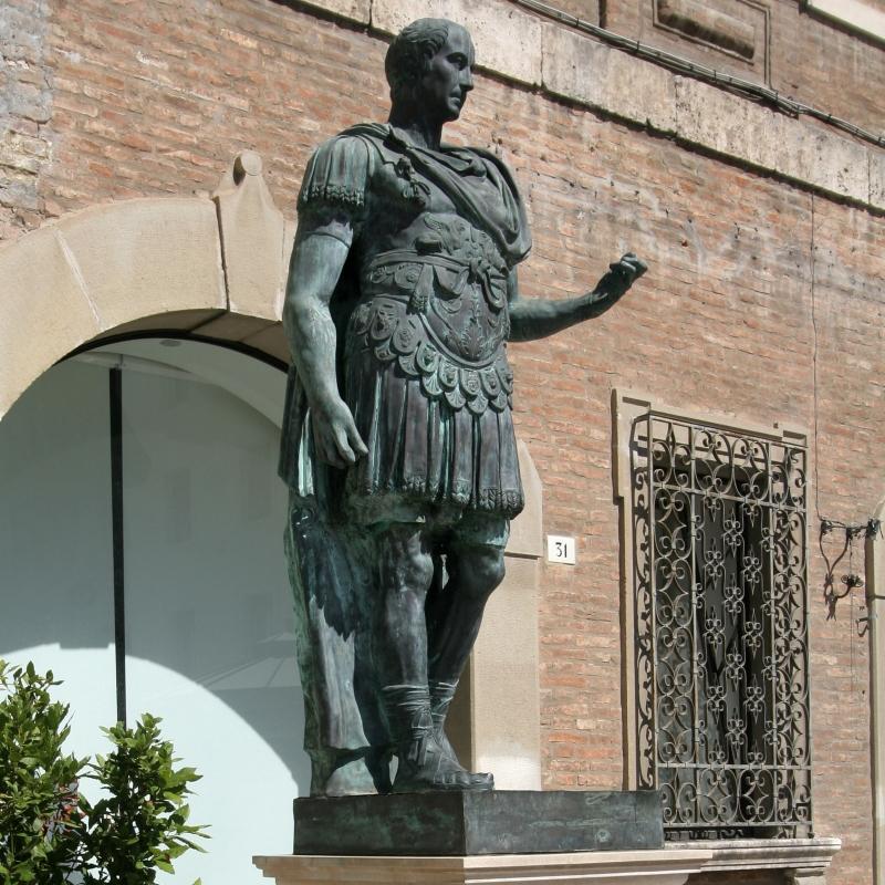 Wikilovesmonuments2016 - piazza tre martiri, statua giulio cesare - Emilio Salvatori - Rimini (RN)