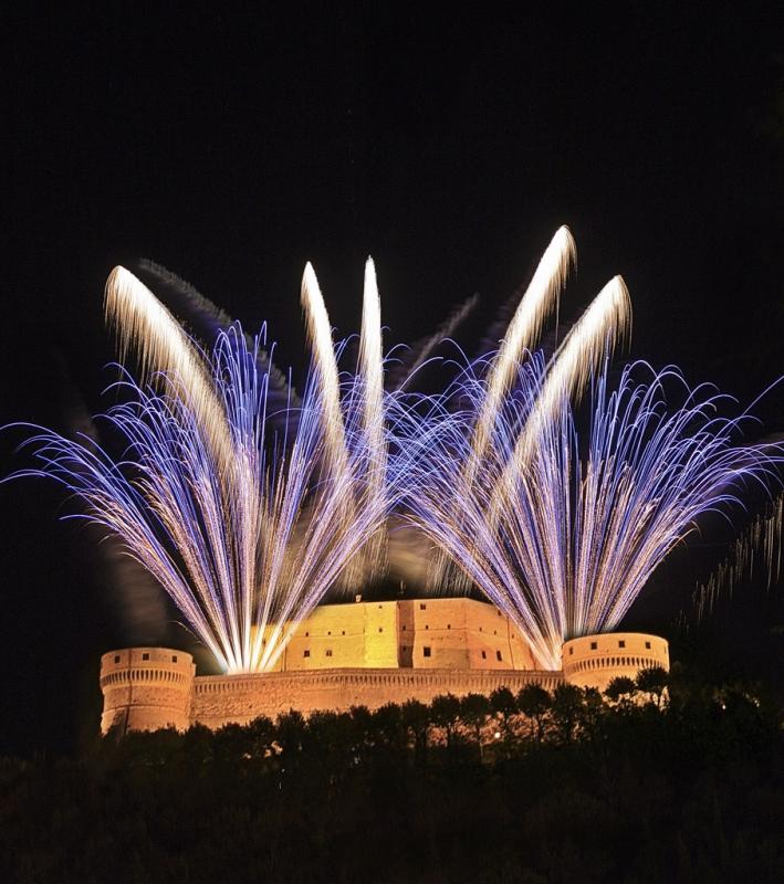 San Leo, fuochi d'artificio - Antonini.cristiano - San Leo (RN)