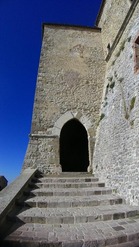 Rocca di San Leo, porta gotica - Fringio - San Leo (RN)