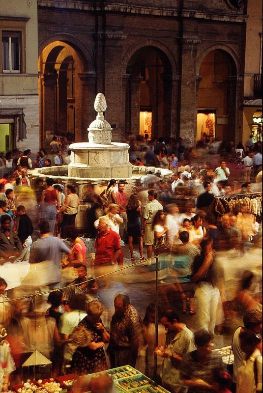 Rimini Piazza Cavour Mercato Antiquariato by Saro Di Bartolo 03 - Saro di bartolo - Rimini (RN)