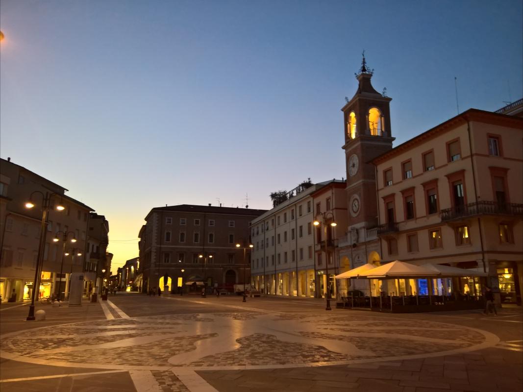 Rimini, Piazza Tre Martiri al tramonto - Supermabi - Rimini (RN)