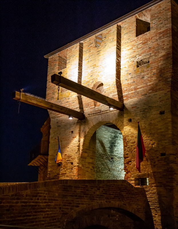 Porta di Sopra nelle Mura Malatestiane di Mondaino - Lam Brusco1 - Mondaino (RN)