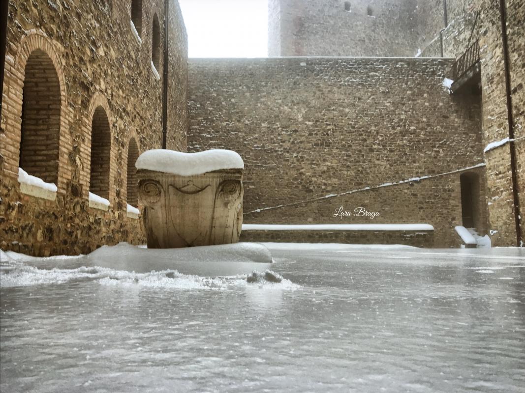 La Rocca e la Galaverna....ghiaccio sulla neve106 - Larabraga19 - Montefiore Conca (RN)