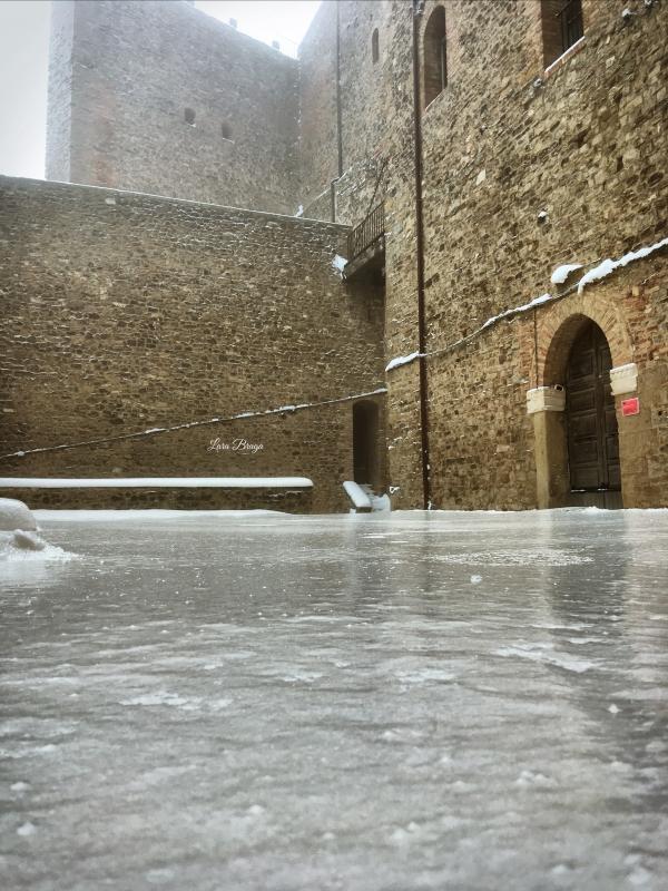La Rocca e la Galaverna....ghiaccio sulla neve108 - Larabraga19 - Montefiore Conca (RN)