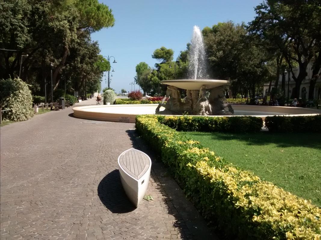 Nel viale del parco - Marmarygra - Rimini (RN)