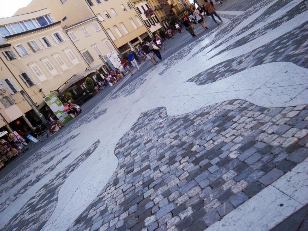 Piazza Tre Martiri, Rimini. Particolare della pavimentazione - Albarubescens - Rimini (RN)
