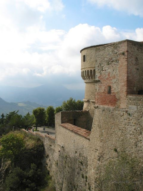 Forte di San Leo e l'orizzionte - Marinella Luft - San Leo (RN)