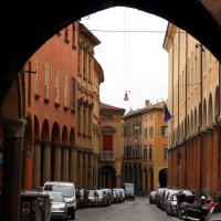 Portici di via Castiglione fotografati dall'arco del Torresotto - Albertoc - Bologna (BO)
