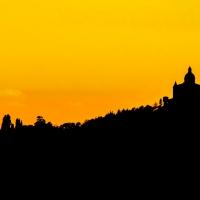 La sagoma di San Luca al tramonto - Angelo nacchio - Bologna (BO)