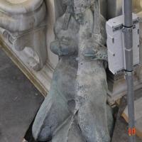 BO - Fontana del Nettuno- Dettaglio di Restauro 01 - ElaBart - Bologna (BO)