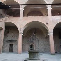 Cortile Palazzo re Enzo 2 - BelPatty86 - Bologna (BO)
